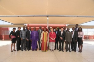 Les experts du Consortium RCN Justice & Démocratie, Primum Africa Consulting et MAGI Communications avec les représentants des Chambres Africaines Extraordinaires et autres participants à l'atelier d'ouverture en janvier 2014.